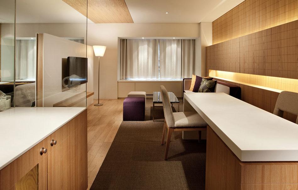 Staron Hotels
